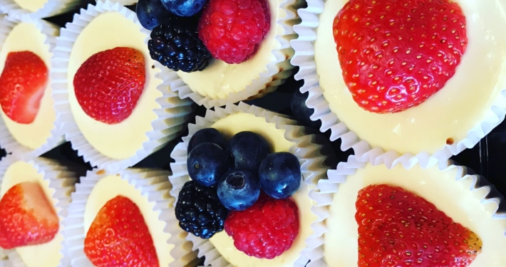 New Orleans Mini Cheesecake with fresh berries