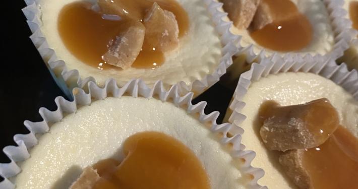 Mini Praline Cheesecakes